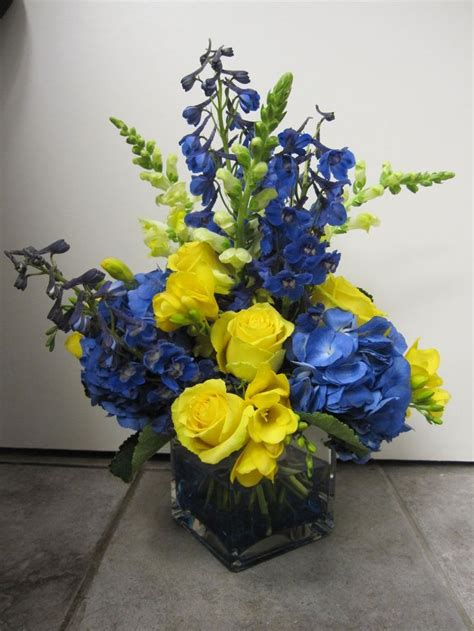 blue yellow centerpiece blue and yellow centerpiece