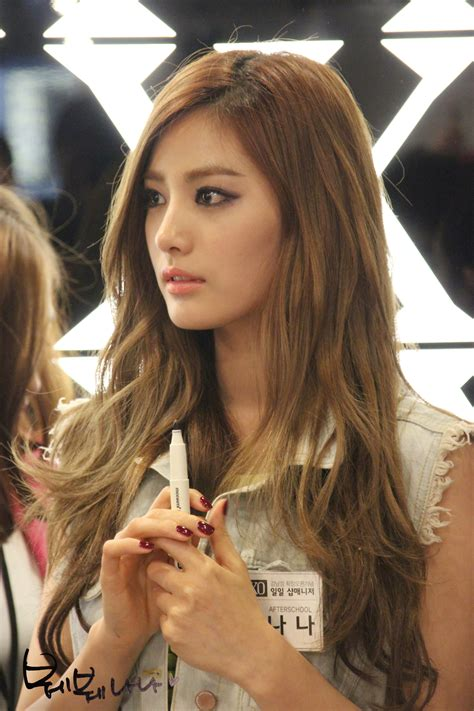 After School NaNa. Her face, her hair, her makeup, her