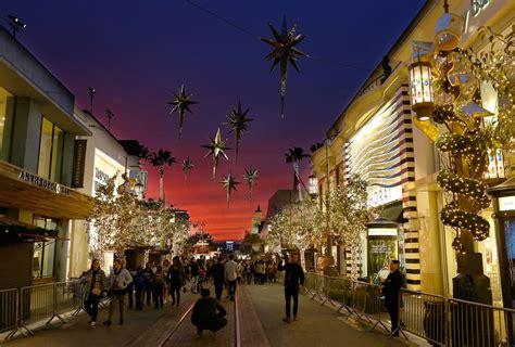the grove christmas tree lighting 2017 a california christmas at the grove official tree