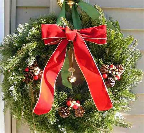 Home Decor Stores In Dallas Tx by Make Your Own Christmas Wreath Raftertales Home