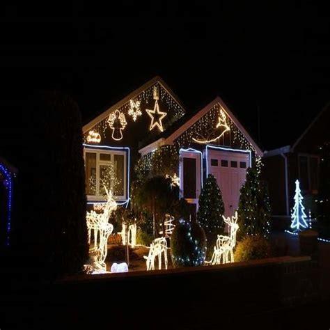 how to install christmas lights on a house festive lights