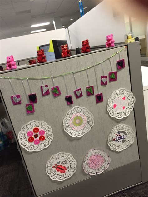 ideas for valentines day at work 26 best images about decorations cubicle on