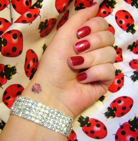 cute ladybug tattoo designs 22 flying ladybug tattoos
