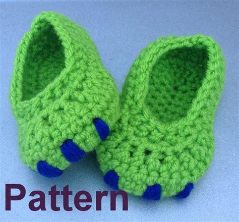 crochet dinosaur slippers baby dinosaur booties crochet pattern pattern