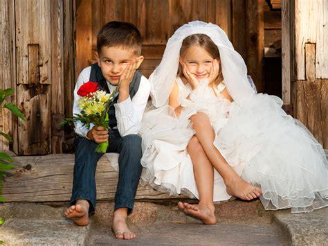 Wedding Attire No Nos by Avoid These 17 Wedding Guest Etiquette No No S Weddingbee