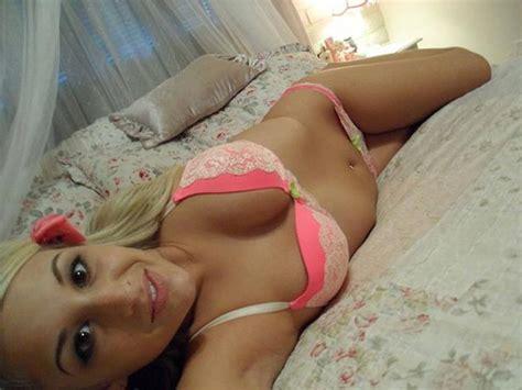 selfies in bed bed selfies are one of the best types of selfies photos
