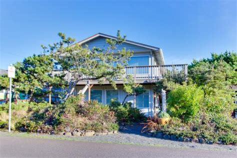 Astoria Oregon Cabin Rentals astoria oregon vacation rentals by vacasa