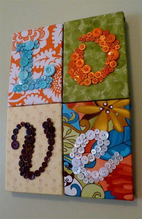 Mote Huruf Warna Warni Kapur inilah 6 barang menarik yang terbuat dari kancing satu jam