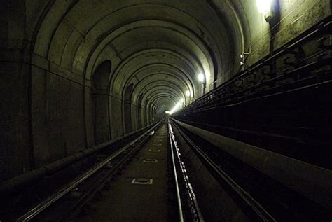 thames river underground tunnel abandoned london underground tunnel beneath the thames