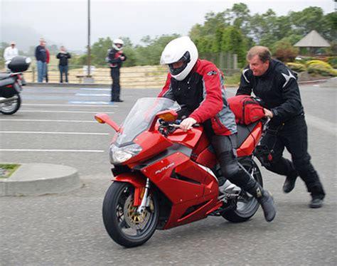 Cas Di Aki Atau Dekstop charger aki motor sayang motor anda sayangi aki motor