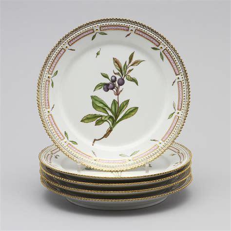 Ry Royal St Flora bilder f 246 r 117627 tallrikar 5 st quot flora danica quot royal copenhagen 1948 auctionet