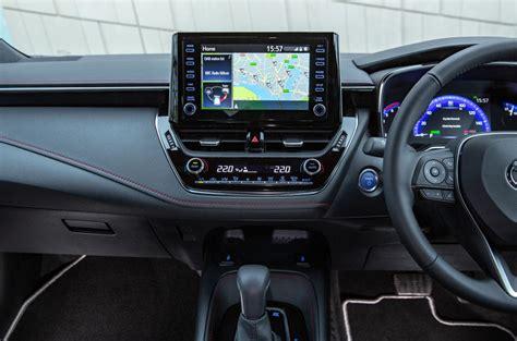 Toyota Corolla 2019 Uk by Toyota Corolla 1 8 Hybrid Hatchback 2019 Uk Review Autocar