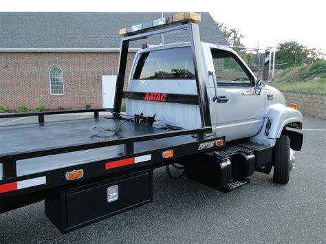 chevrolet c6500 rollback wrecker photos reviews news