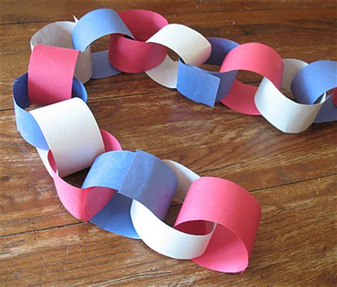 Paper Chain Craft - patriotic paper chain craft idea