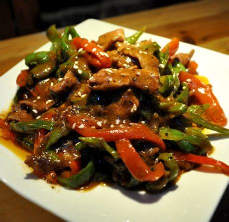 black pepper beef chinese pepper steak stir fried beef with onions peppers