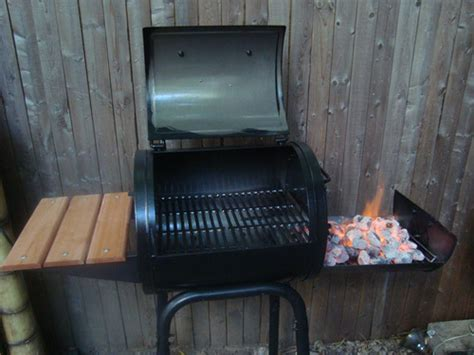 Char Griller 1515 Patio Pro Model Grill by Char Griller 1515 Patio Pro Charcoal Grill