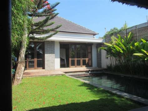 villa  main road  jimbaran ray white bali property