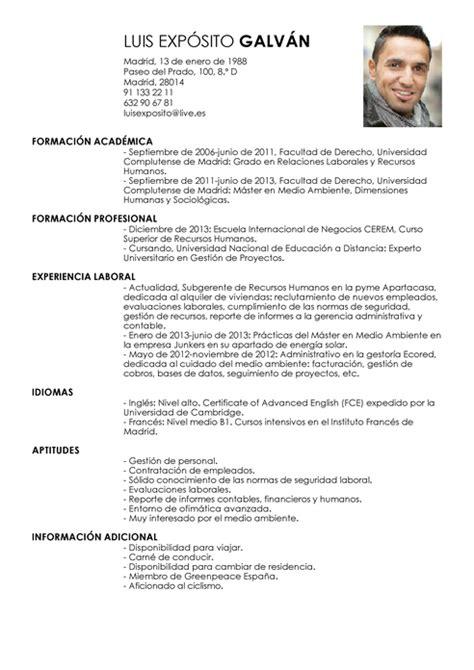 Modelo Curriculum Universitario Modelo De Curr 237 Culum V 237 Tae Subgerente Subgerente Cv Plantilla Livecareer