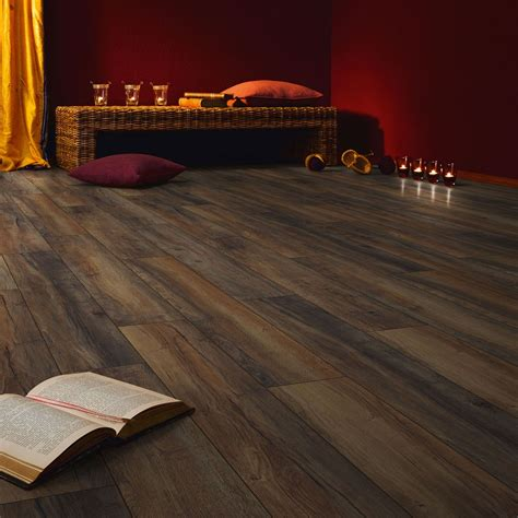 Harbour Oak Chateau Laminate Flooring   Buy Chateau