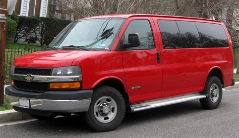 how things work cars 2012 chevrolet express 3500 spare parts catalogs file chevrolet express 3500 03 16 2012 jpg wikimedia commons