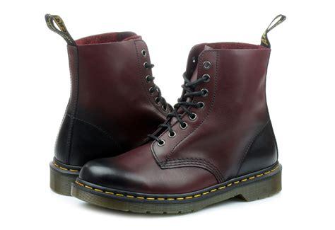 dr martens pascal 8 eye boot dr martens boots pascal 8 eye boot dm21154600