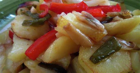 como cocinar patatas a lo pobre patatas a lo pobre cocina con reina