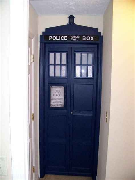 tardis door tenth doctor s by kurtklaineblaine on deviantart