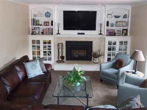 long narrow living room with fireplace in center create an accent wall at the end of a long narrow family