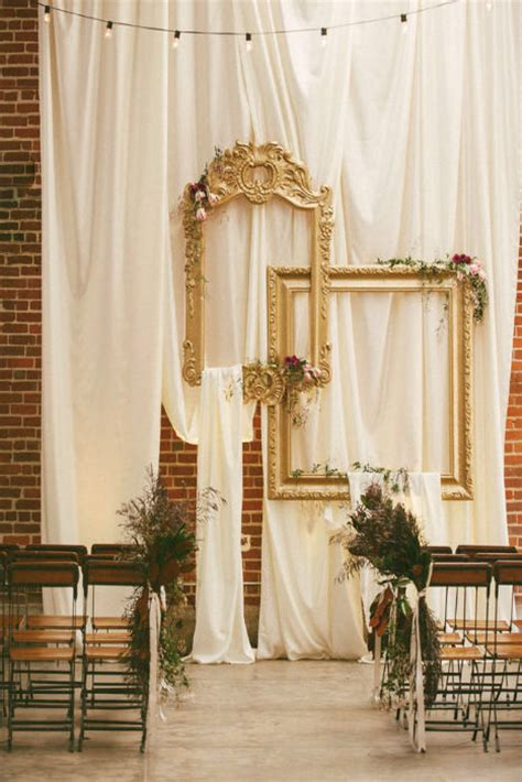 Creative Wedding And Decor by 10 Creative Ways To Use Frames For Your Wedding Decor