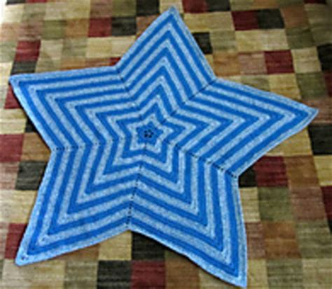 Simple Rug Patterns And ravelry star blanket pattern by bernat design studio
