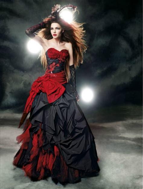 Red and Black Gothic Wedding Dress   Devilnight.co.uk