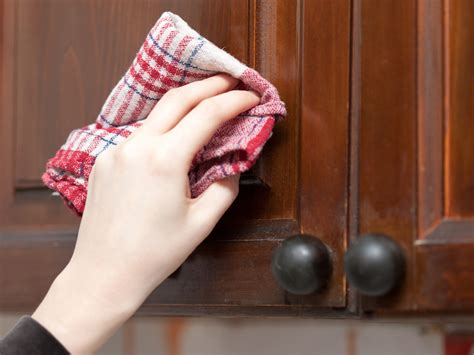 things you should do when cleaning kitchen cabinets my things you should do when cleaning kitchen cabinets my