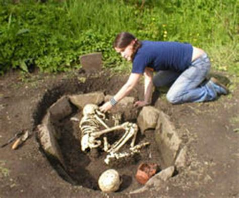 how much forensic anthropology salary a professional earns