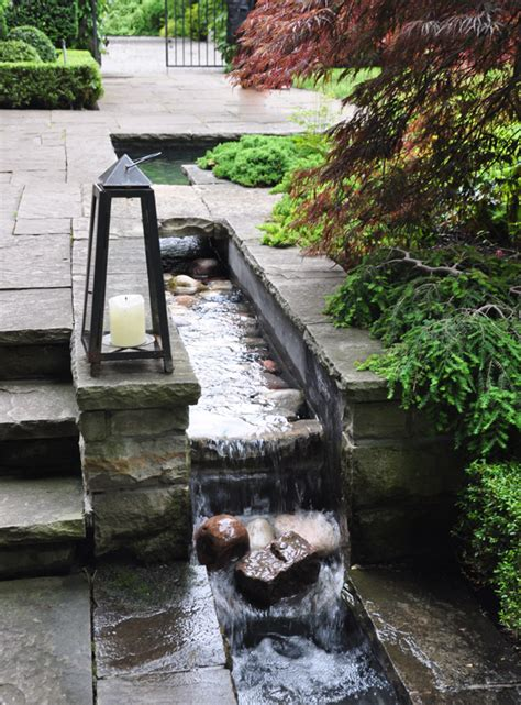 Water Feature Ideas For Small Gardens Three Dogs In A Garden Pin Ideas Small Water Features Garden Ponds