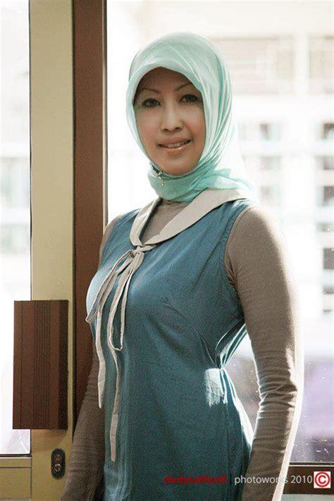 Jilbab Jadi Terbaru tante muda berjilbab belajar jadi foto model profesional kumpulan foto cewek cantik berjilbab