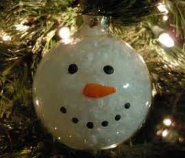 Here is an easy snowman christmas ornament i am going to make with my