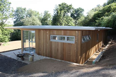 Flats And Cabins by 65 X 22 Ft Cedar Clad Flat Roof Mobile Home Log Cabin