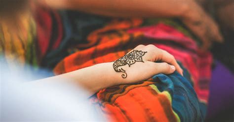 how to remove a henna tattoo quickly how to remove henna 12 ways to get rid of henna from your