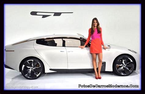 imagenes mujeres y autos imagenes de autos deportivos para mujeres jovenes fotos