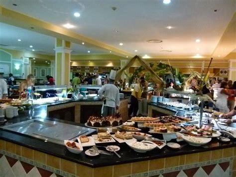 buffet area picture of iberostar laguna azul varadero