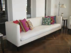 Sofas With Pillows Decorative Pillows For Sofa Home Design Ideas