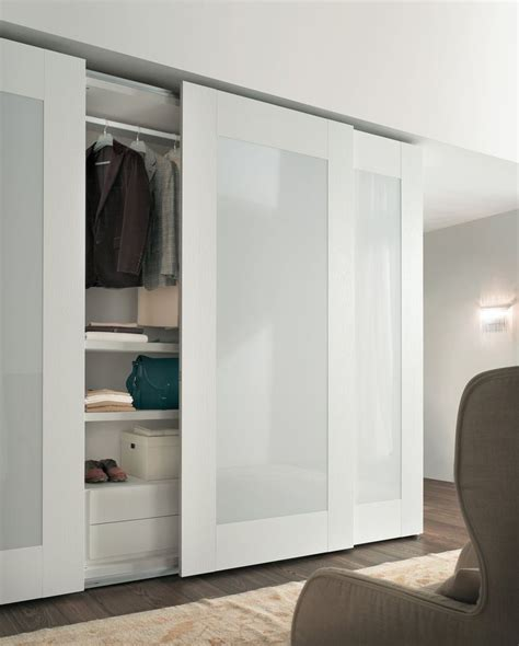 Wardrobe Closet With Sliding Doors by Best 25 Wardrobe Doors Ideas On Built In