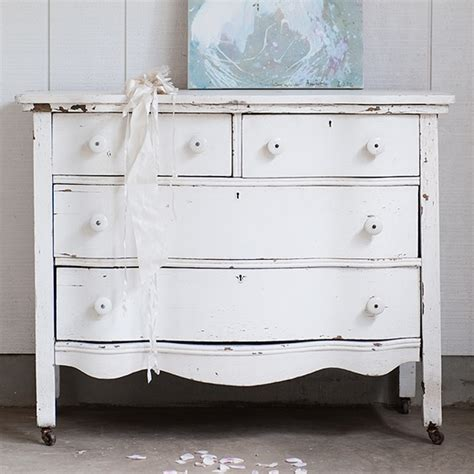rachel ashwell shabby chic couture white scalloped