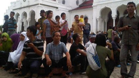 earthquake live indonesia indonesia quake live updates rt news