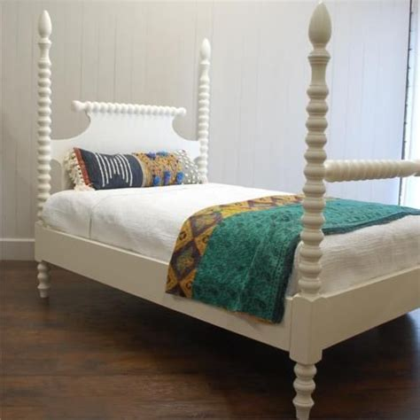 spindle bed king details about spindle bed four poster king size solid wood