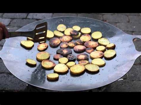 grillen auf feuerschale 049 einbrennen der petromax grill und feuerschale