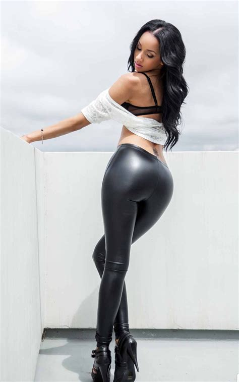 Dijamin Pretty Legging High Quality shiny shiny