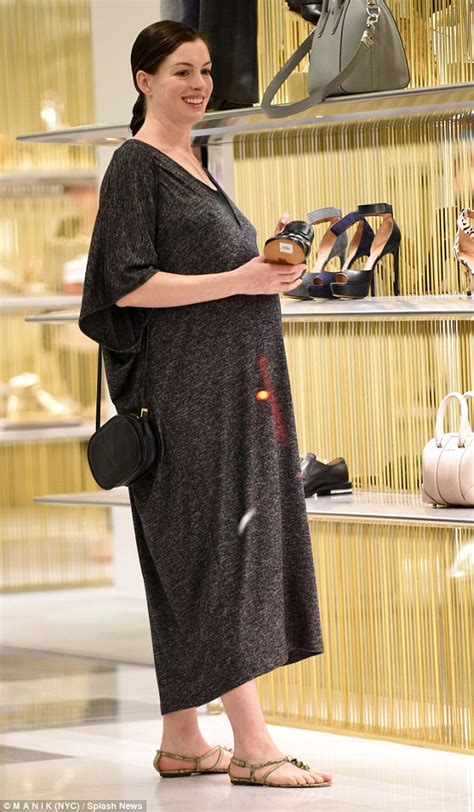 comfortable shoes to wear with dresses anne hathaway shops for flat shoes wearing a maxi dress in