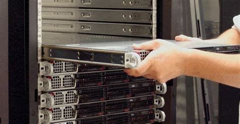 what is a rackmount server