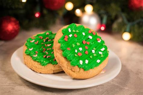 christmas time snacks five limited time themed snacks at walt disney world world of walt